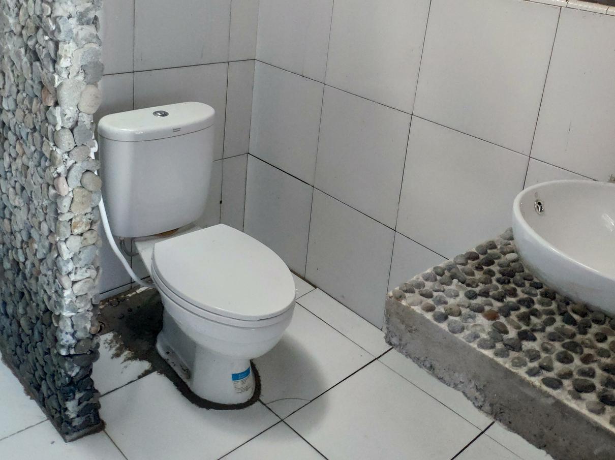Sanctum-bathroom