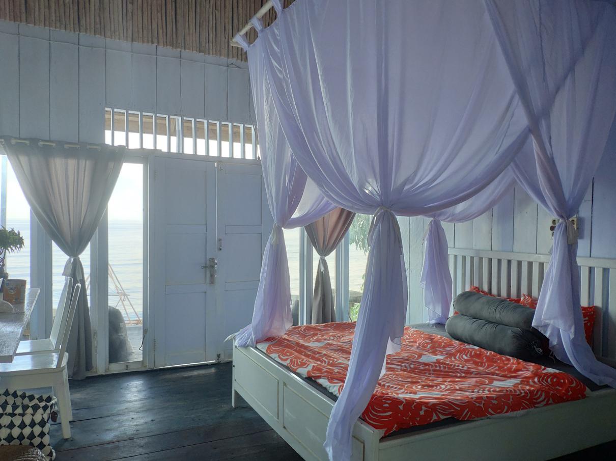 Una-Una-Island-room